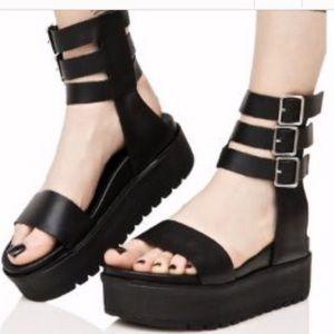Shelly's London (Keygan Platform Gladiator Sandal)